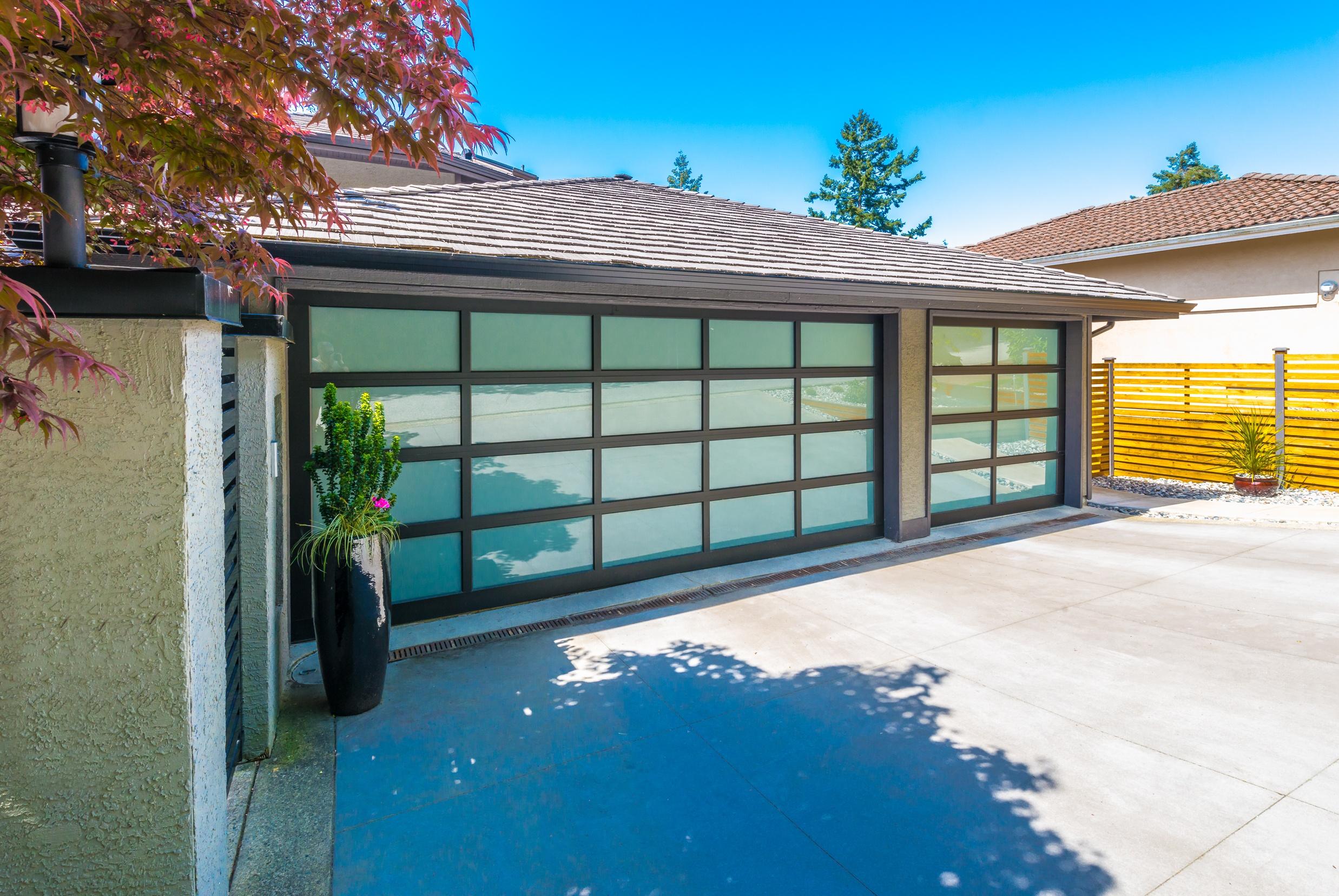 garage doors-3.jpg